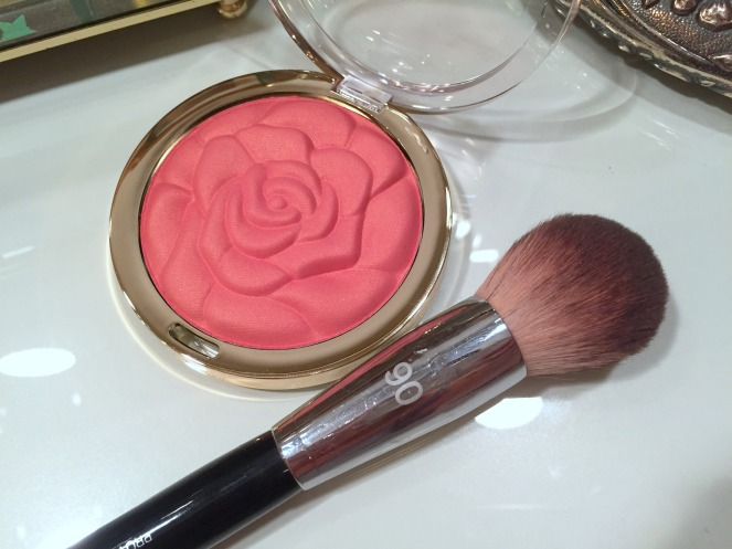 Pro Featherweight Powder Brush #91 by Sephora Collection #18